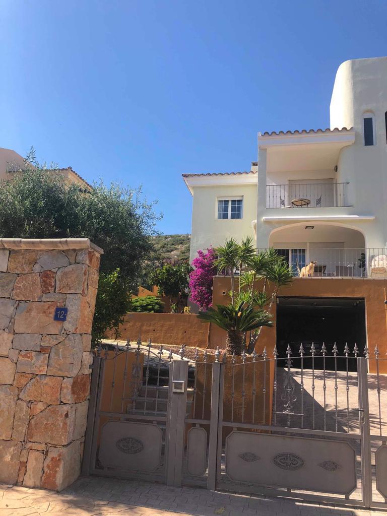 House villa 220 sq m