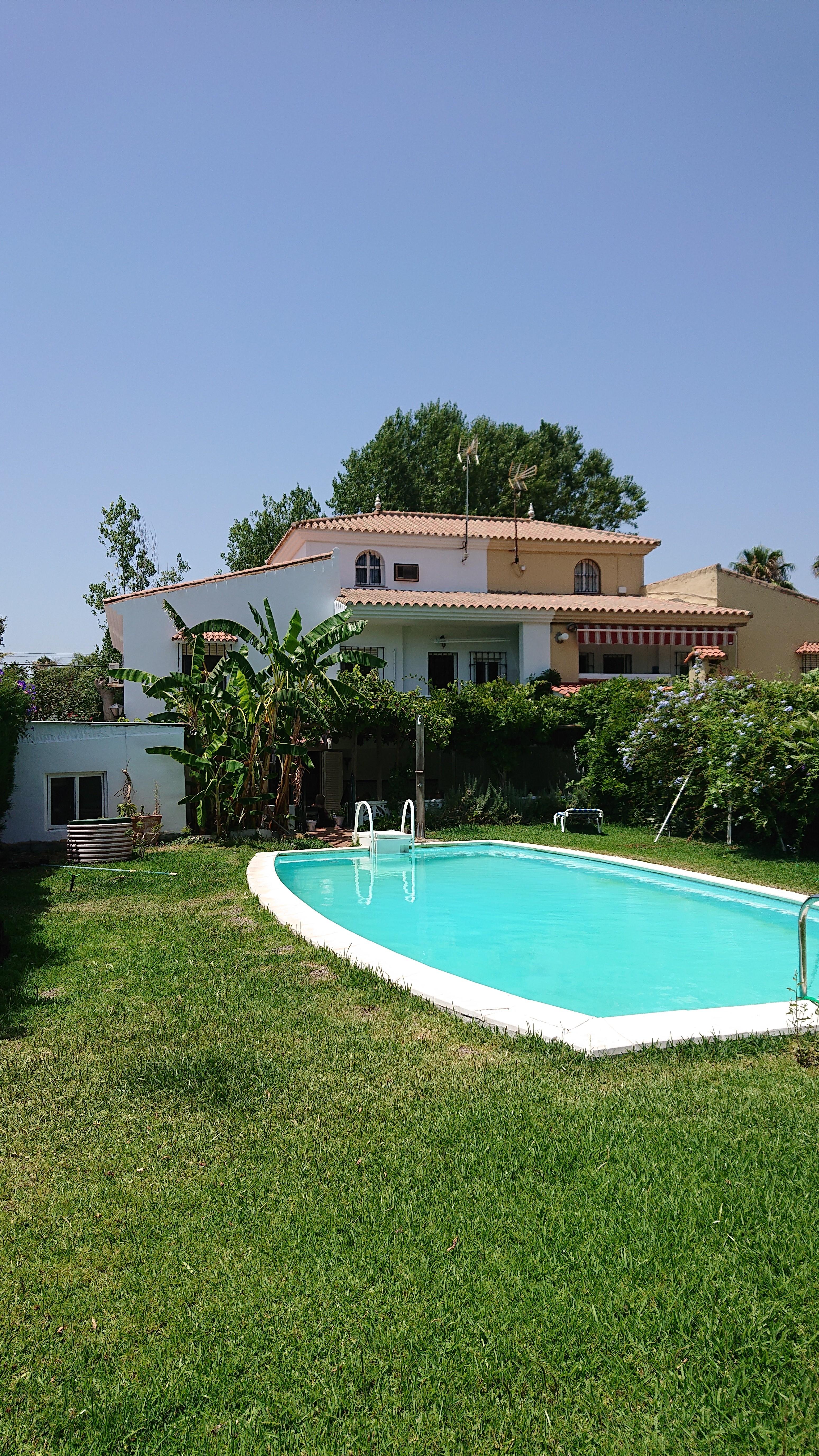 House villa 380 sq m