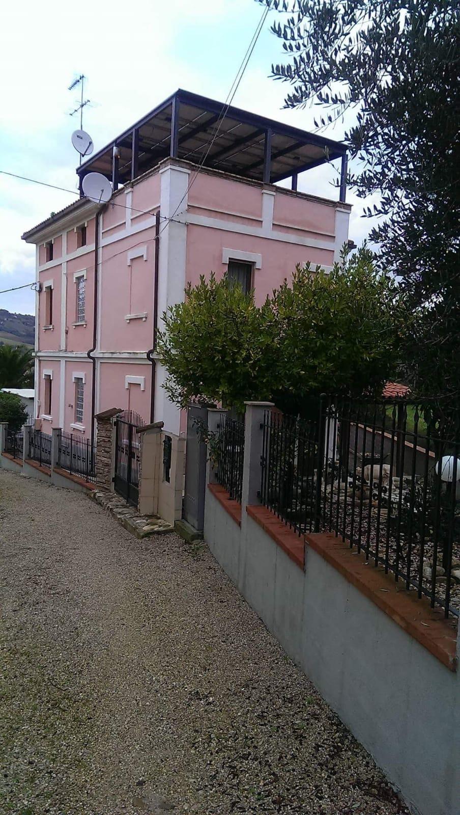 Casa 250 m²