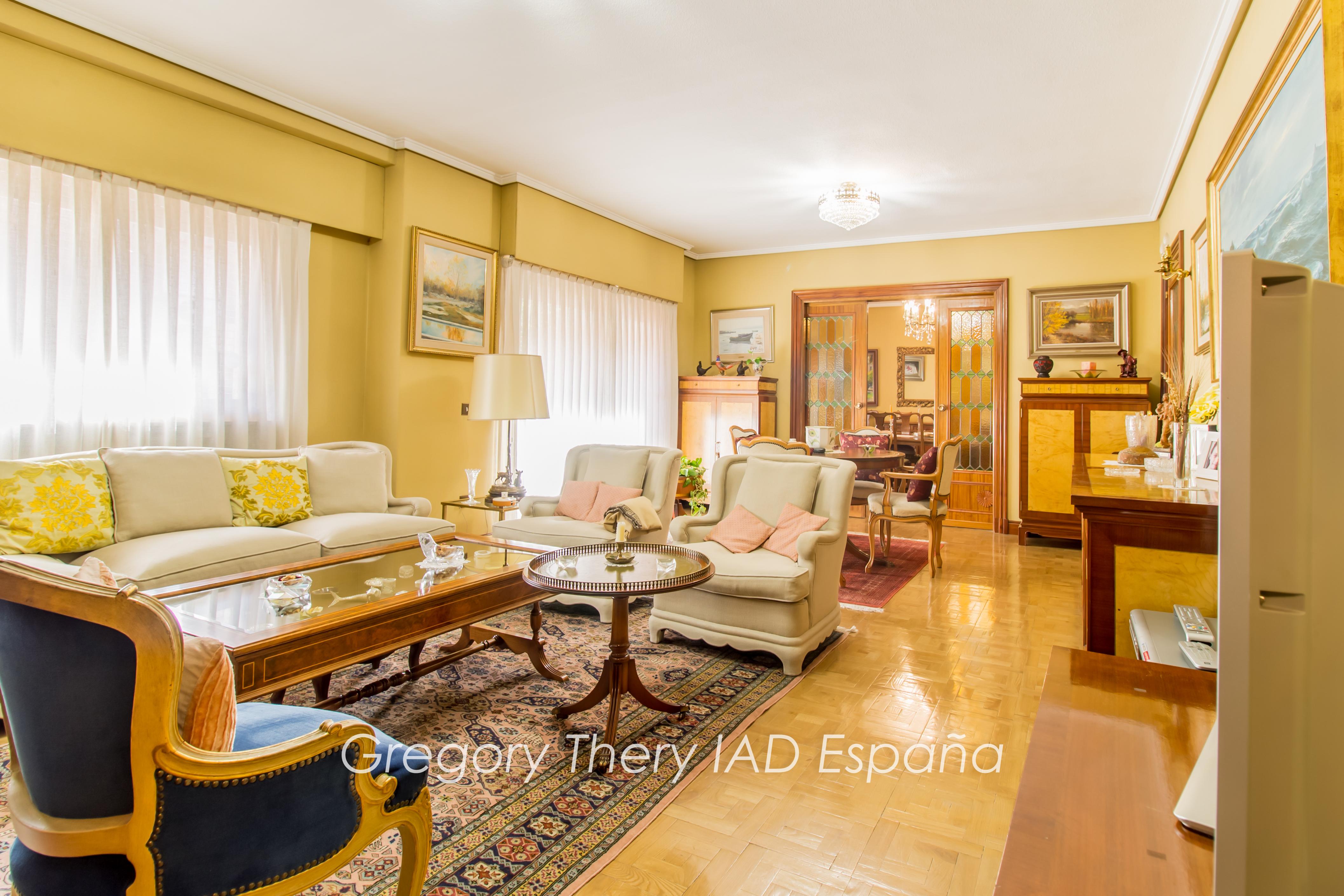 Apartment 216 sq m