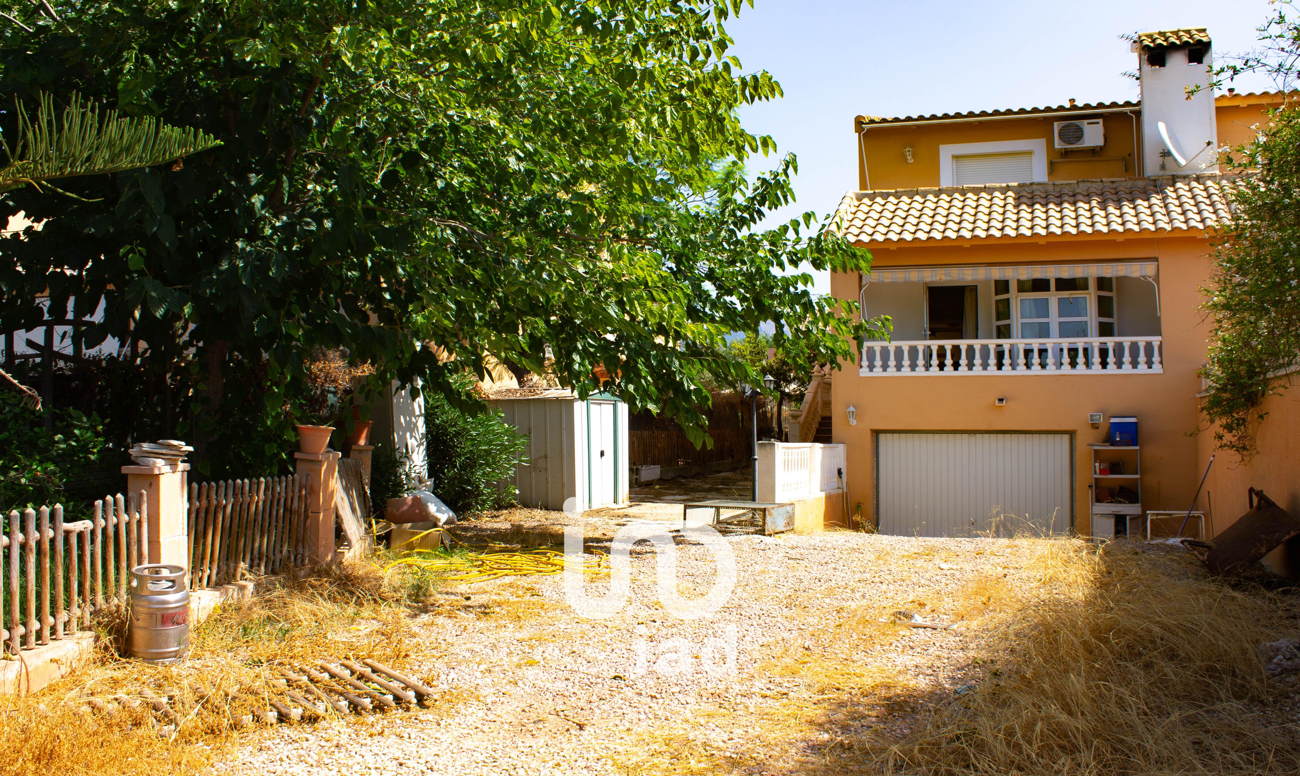 House villa 200 sq m