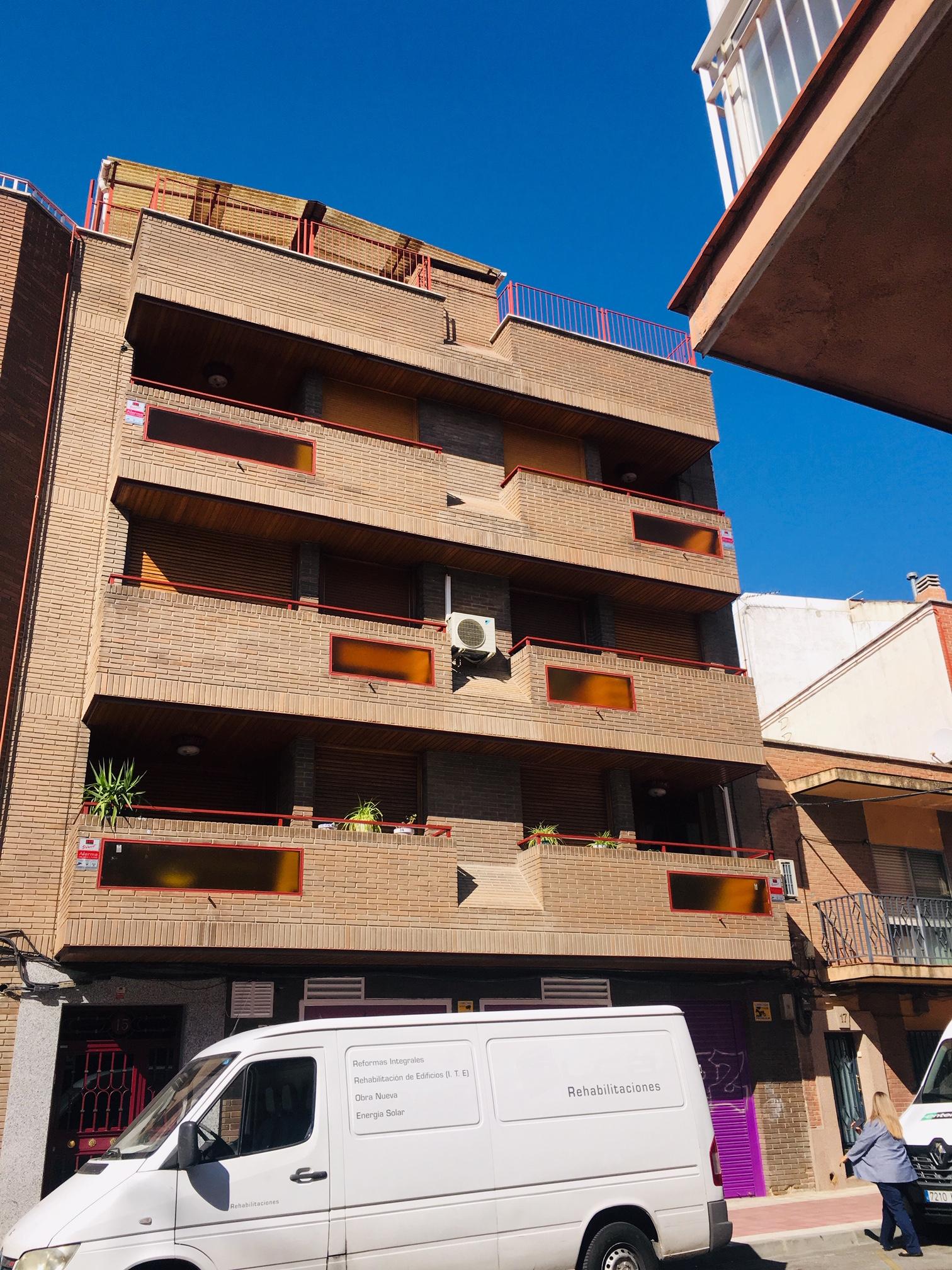 Edificio 900 m²