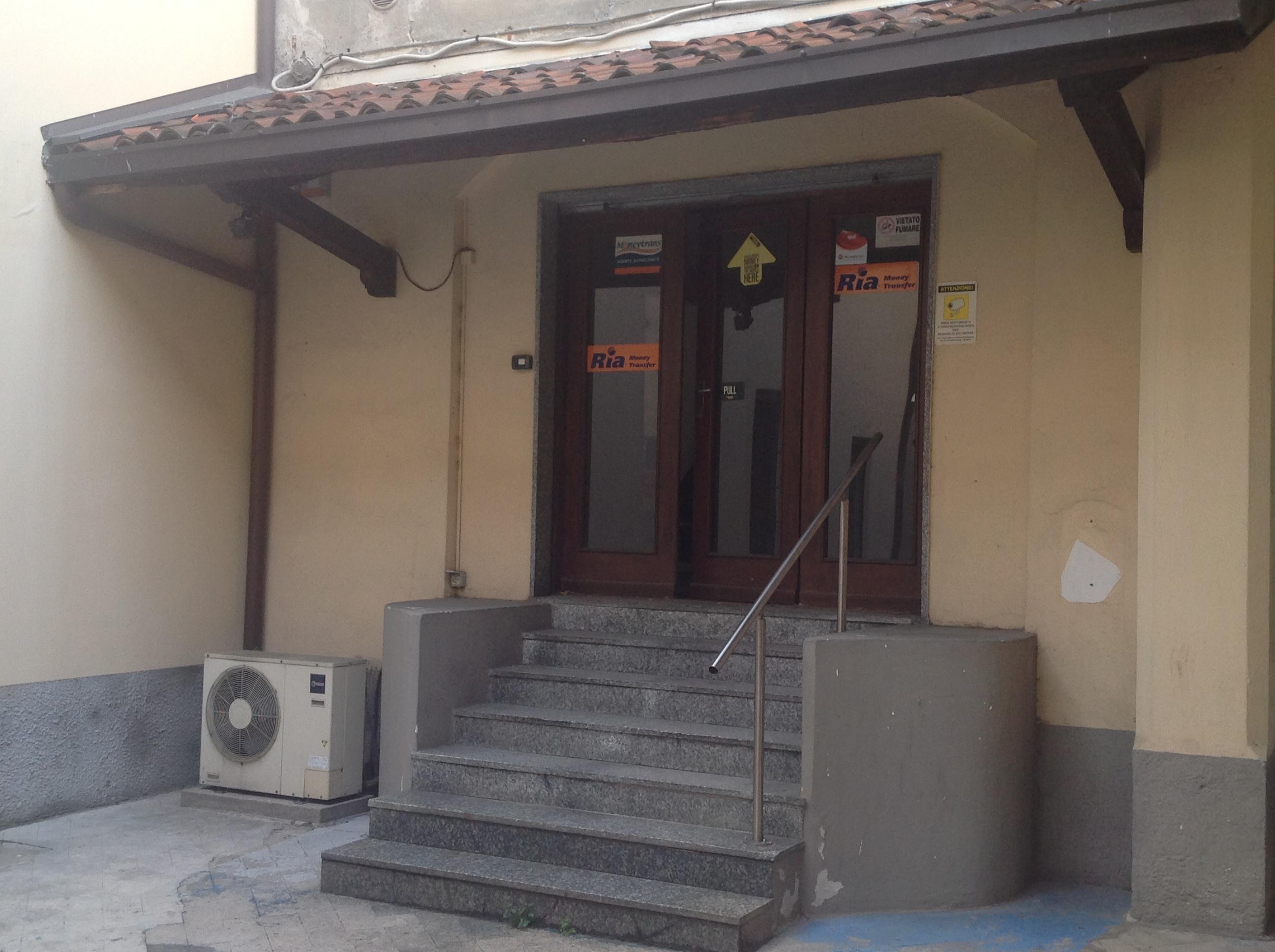 Negozio   locale commerciale 82 m²