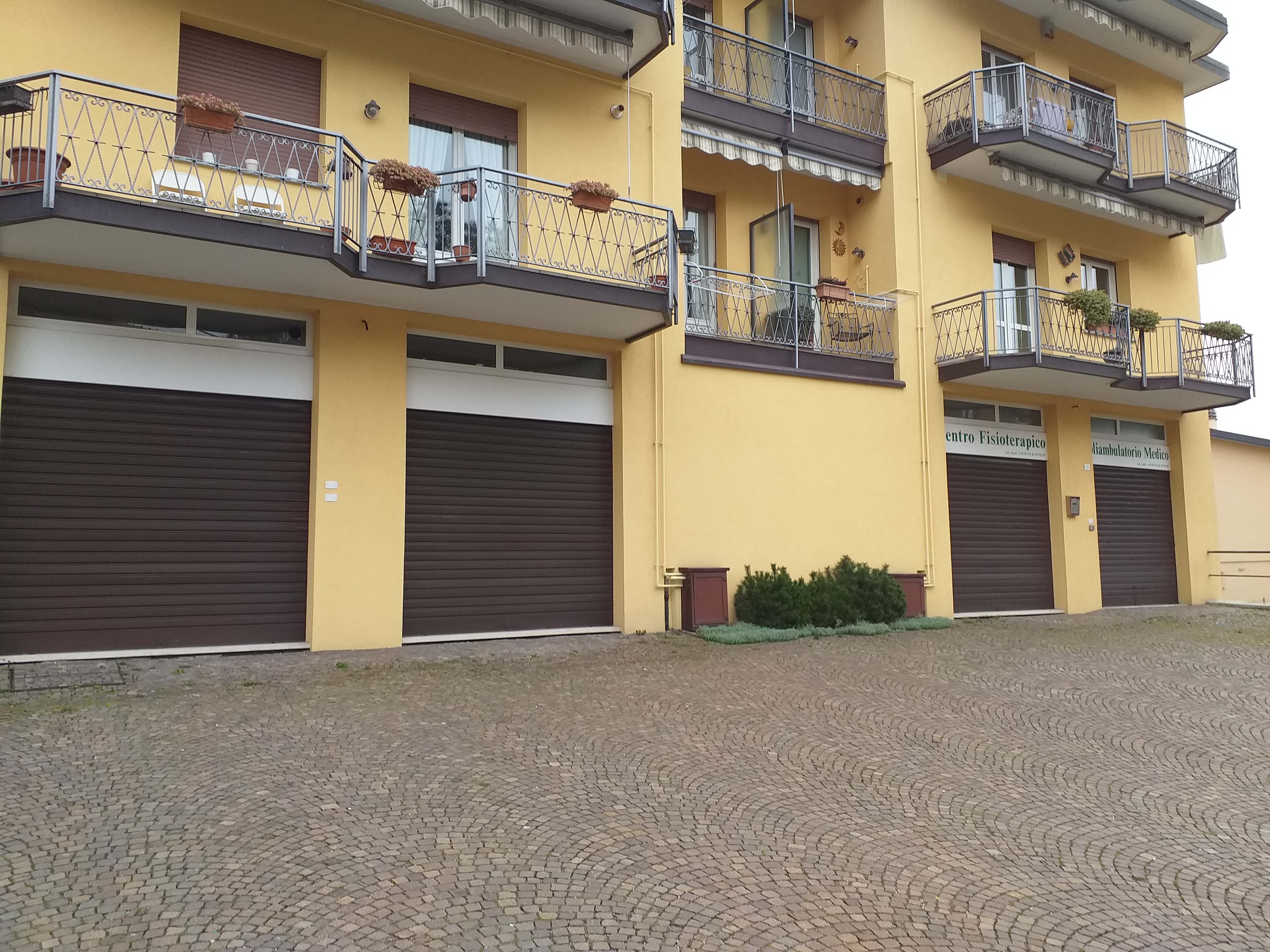 Offices 180 sq m